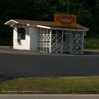 Photo taken at Scoops by Shannon R. on 7/5/2011