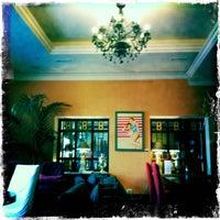 Снимок сделан в Repin Lounge Bar & Restaurant пользователем Dmitri M. 4/26/2011