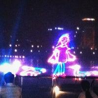 Das Foto wurde bei Wonder Full (Light & Water Show) von tania am 3/28/2012 aufgenommen