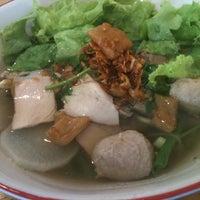 Photo taken at ร้านคุณอู๋ by Ronnachai C. on 4/3/2012