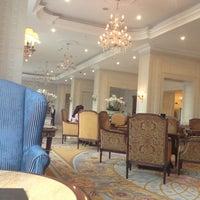7/12/2012 tarihinde Anton O.ziyaretçi tarafından Fairmont Grand Hotel Kyiv'de çekilen fotoğraf