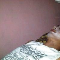 Photo taken at Salon Putri Ayu by wawan memang egois on 10/8/2011