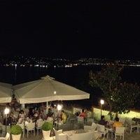 8/22/2012 tarihinde Serhat B.ziyaretçi tarafından Cafe Crown Cubuklu'de çekilen fotoğraf