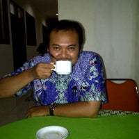 Photo taken at Guest House Universitas Brawijaya by Fandy P. on 3/21/2012
