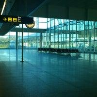 Foto tomada en Aeropuerto de Santiago de Compostela (SCQ) por Marta B. el 5/23/2012