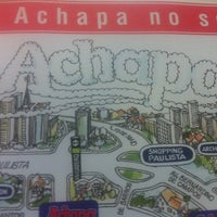Photo taken at Achapa Hamburger by Caetano S. on 10/12/2011