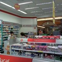 Foto tirada no(a) Drogasil por Pedro D. em 9/11/2011