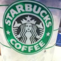 Photo taken at Starbucks by Xotchilt F. on 2/4/2011