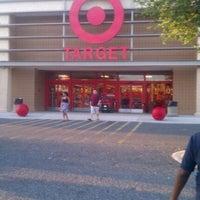 Foto diambil di Target oleh Tanya H. pada 5/1/2012