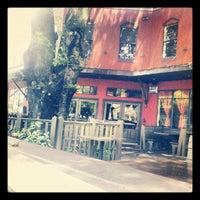 8/21/2012에 Selwyn B.님이 Ella's Americana Folk Art Cafe에서 찍은 사진