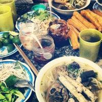 Photo taken at Bún bò giò heo Huế by Nguyen Huy H. on 6/26/2012