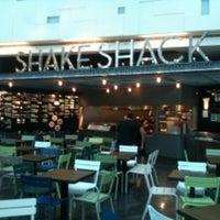 Foto tomada en Shake Shack por S3doun el 7/6/2011