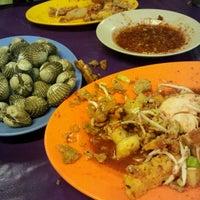 Photo taken at D'Cherang Restoran by Ayuzamri on 8/25/2011