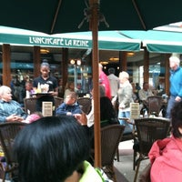 Photo taken at Lunchcafe La Reine by Andreas S. on 7/26/2011