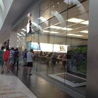 Photo taken at Apple by Ferny D. on 8/8/2012