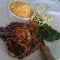 Foto tirada no(a) Bimini Boatyard Bar & Grill por Michael i. em 1/12/2011
