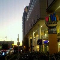 Photo taken at Vivit by Taro H. on 12/11/2011