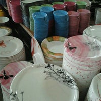 Photo taken at ร้านจาน ชาม เครื่องครัวเซรามิค by tooky t. on 12/11/2011