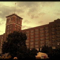 Снимок сделан в Ponce City Market пользователем Friar F. 9/11/2012