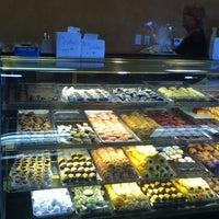 Снимок сделан в Freed's Bakery пользователем Ashley B. 7/28/2012