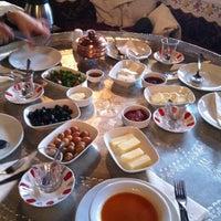 รูปภาพถ่ายที่ Saitabat Şelalesi โดย Ahmet B. เมื่อ 5/13/2012