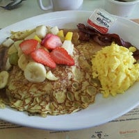 Photo taken at Panama Restaurant y Pasteleria by Daniel S. on 1/4/2012