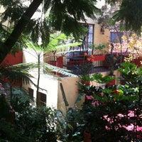 Foto tirada no(a) Red Tree House por Rodo W. em 9/7/2012