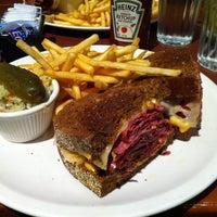 Photo taken at Reuben's Restaurant Delicatessen by Lee H. on 10/1/2011
