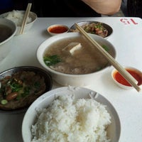 Photo taken at Cheng Mun Chee Kee Pig Organ Soup by Bruce T. on 9/8/2011