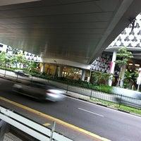 Das Foto wurde bei Bugis+ Link Bridge von Yvonne T. am 2/28/2011 aufgenommen