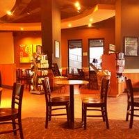 4/2/2012 tarihinde Kamil O.ziyaretçi tarafından Starbucks'de çekilen fotoğraf