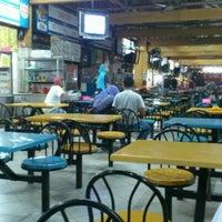 Photo taken at Medan Selera Seksyen 7 by Abdul Mujib S. on 12/3/2011