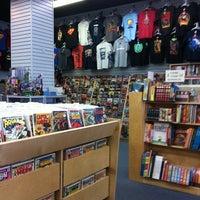 6/25/2012 tarihinde Jordanziyaretçi tarafından Bedrock City Comic Co.'de çekilen fotoğraf