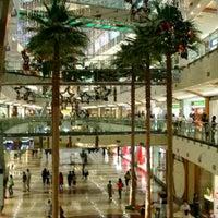 รูปภาพถ่ายที่ Pondok Indah Mall โดย Thoro A. เมื่อ 8/17/2012