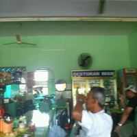 Photo taken at Restoran Imam, AU4 by Muzz M. on 1/25/2012