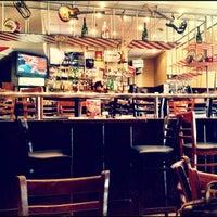 Снимок сделан в T.G.I. Friday's пользователем Max L. 9/4/2012