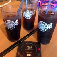Photo taken at Fuddruckers by Mj G. on 7/6/2012