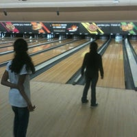 Photo taken at Bowlero Queens by Kambri C. on 5/22/2012