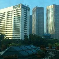 Foto diambil di Le Méridien Jakarta oleh HISASHI K. pada 7/8/2012