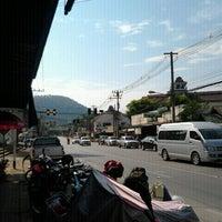 Photo taken at Sunday Market by นีระปอย จ. on 12/4/2011