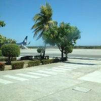 Photo taken at Aeropuerto Internacional Ixtapa-Zihuatanejo (ZIH) by Jose Maria on 4/11/2012