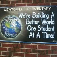 Photo prise au Newton-Lee Elementary School par Galo4ka le9/22/2011