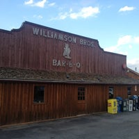 Photo taken at Williamson Brothers Bar-B-Q by Pierre B. on 6/6/2012
