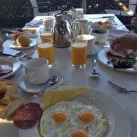 Photo taken at Paphos Amathus Beach Hotel 5star AsiaChi Restourant by Mel ❤. on 8/11/2012