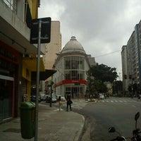 Foto tirada no(a) Ikesaki Cosméticos por Edgar C. em 3/3/2012