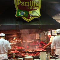 Foto tirada no(a) Parrilla del Sur por Tiago H. em 8/5/2012