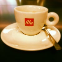 Photo taken at Espressamente illy by Silvia S. on 7/7/2012