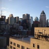 Снимок сделан в The Watson Hotel пользователем Elizabeth S. 3/10/2012