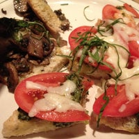 Photo taken at Carrabba's Italian Grill by Candice K. on 8/29/2012