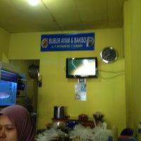 Photo taken at RM. Bubur Ayam Muara by Luthfi W. on 5/16/2012